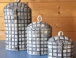 (V5) set of monochrome flower canisters