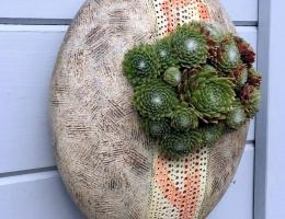 (PO6) Garden wall pod