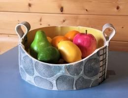 (H8) monochrome fruit bowl