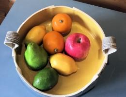 (H9) interior of monochrome fruit bowl