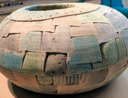 Stoneware ceramic planting pod approx 30cm diameter